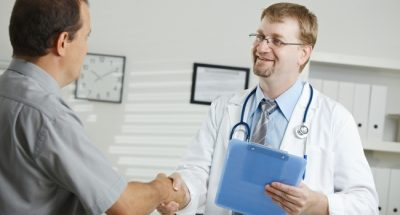 К какому врачу идти при подозрении?